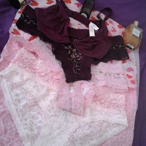Victoria's Secret Ladies Panties And Bra